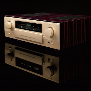 Accuphase C-3900